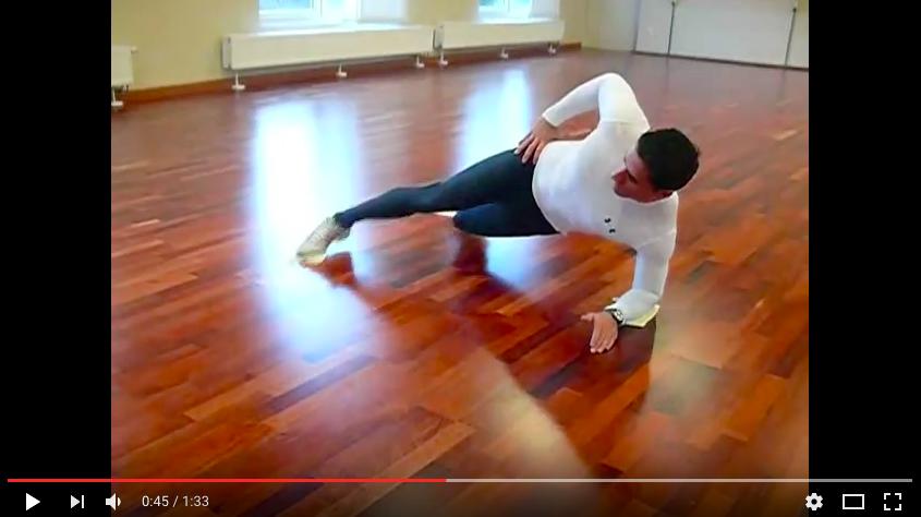 【スライド・コア・トレーニング】上級者向け!体幹トレーニングに動きを加えて強化しよう!の写真
