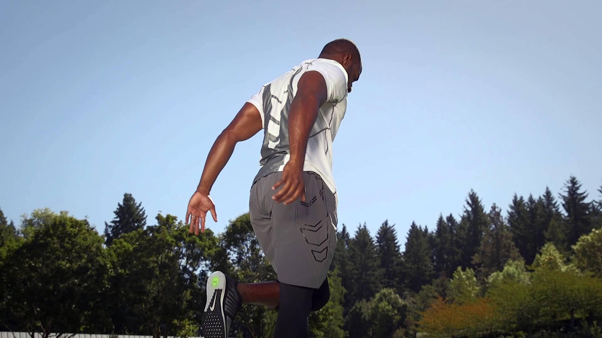 ヘディングを強化するために跳躍力を養おう!(跳躍・体幹・バネ)の写真
