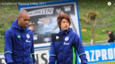 【FCシャルケ内田篤人選手】腕を掴まれても体勢を崩さないためのトレーニングの写真