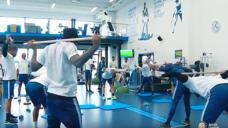 【バランス・フィジカルを養う】インテルが実践する肩甲骨トレーニングの写真