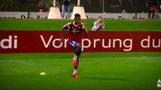 【回転スピードを意識してスプリント能力を養おう!】FCバイエルン・ダヴィドアラバ選手の写真