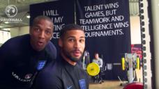 【イングランド代表】ワールドカップ期間中のウエイトトレーニングの写真