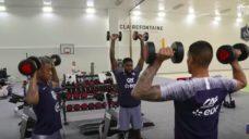 【相手をブロックするフィジカルを養う!】フランス代表・肩のトレーニングの写真