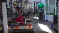 【スピードを養おう!】最速ラグビー選手の素早い足捌きと安定した体幹の写真