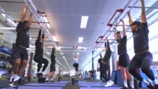 【柔軟性と身体能力を養おう!】イングランド代表の「ぶら下がりトーレニング」の写真