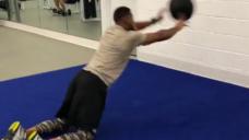 【フィジカルを強化しよう!】股関節からの連動を意識したトレーニングの写真