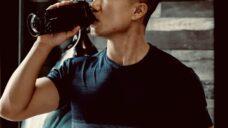 【プロテインを飲むと下痢をする人】原因と具体的な対策をご紹介の写真
