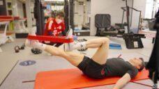 【バイエルン所属レヴァンドフスキ選手】室内での膝リハビリメニュー解説の写真