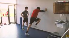 【スプリントスピードの加速を養おう!】日本代表冨安健洋選手の室内トレーニングの写真